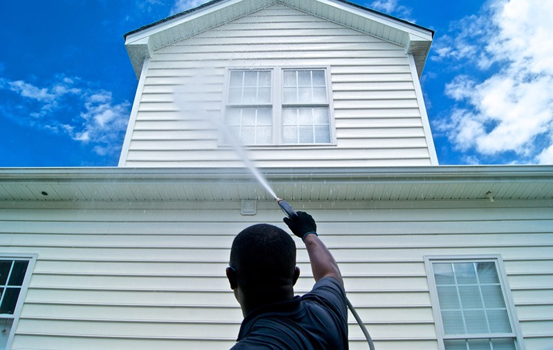 Is House Washing In San Antonio A Do It Yourself Job