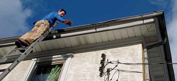 Best Practices For Safe Gutter Cleaning Glass Geeks